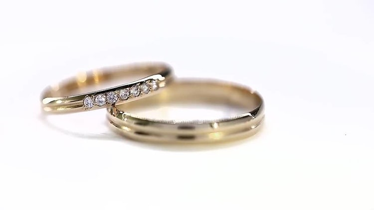 Expensive Yellow Golden Wedding Rings : Stock Video