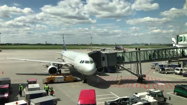 Boarding The Airplane : Stock Video