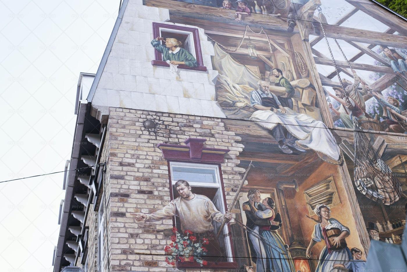 Fresque Du Petit Champlain Mural: Stock Photos