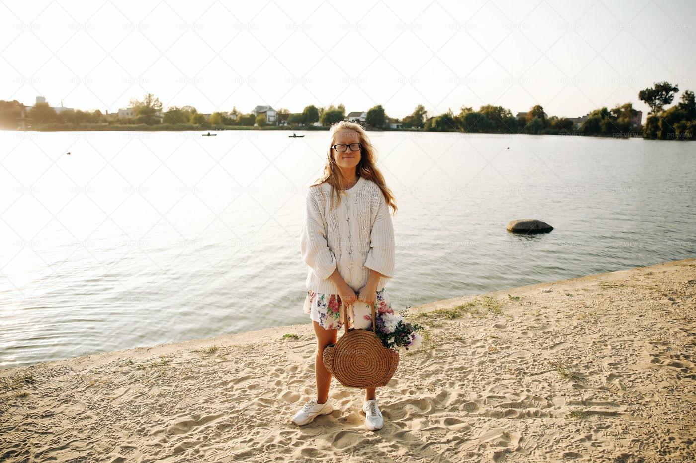 Girl On The Beach In Autumn: Stock Photos