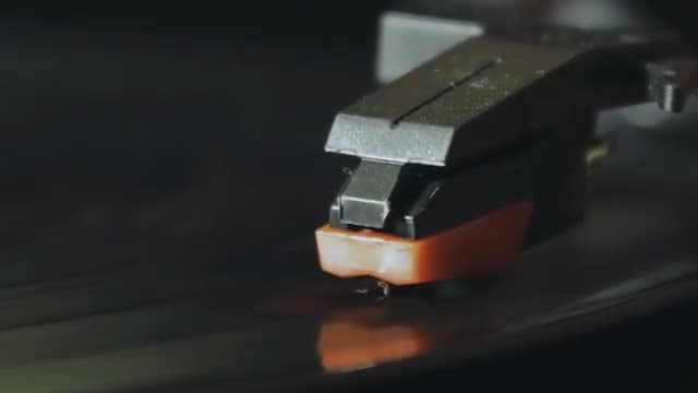 Stylus On Vinyl Record Player: Stock Video