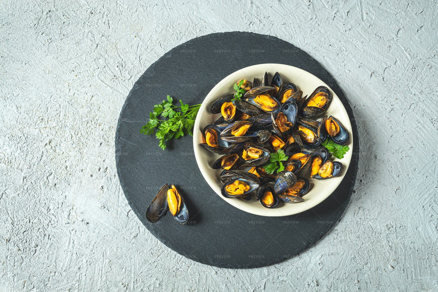Mussels On Plate: Stock Photos