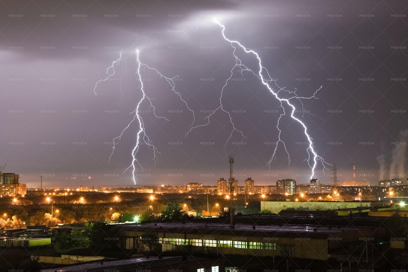 Lightning Flash: Stock Photos