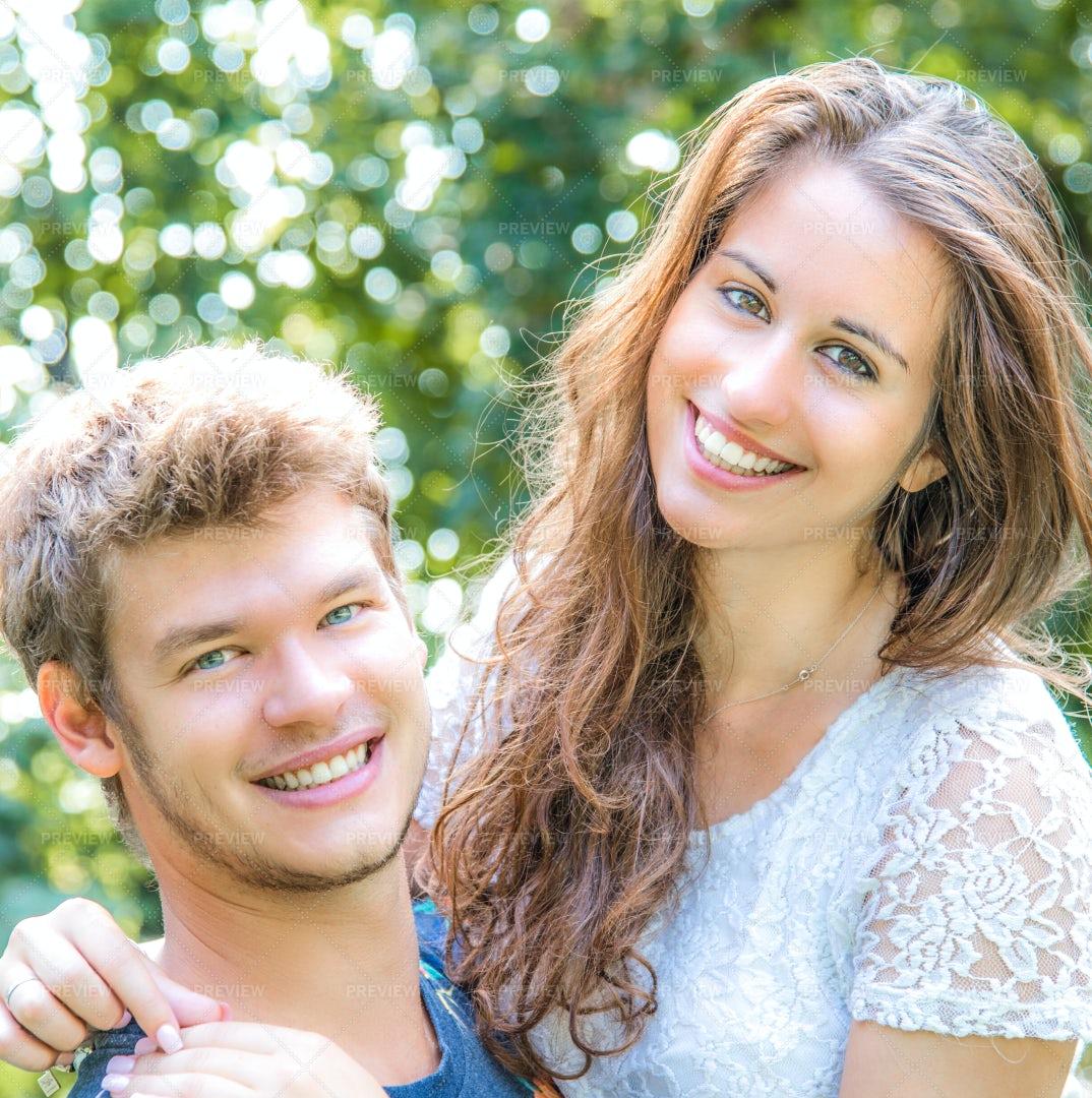 Couple Smiling: Stock Photos