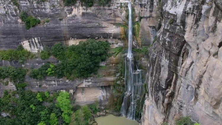 Mountain Waterfall: Stock Video