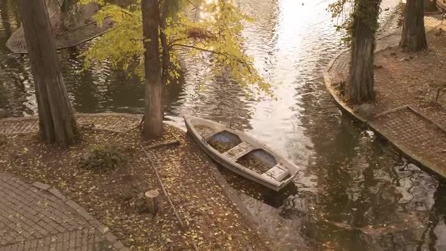 Canoe Abandoned In The River : Stock Video