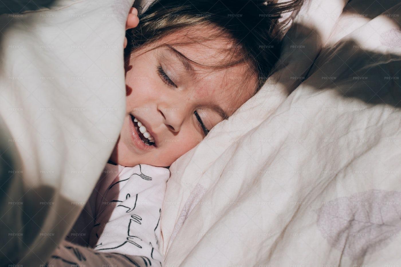 Sleepy Girl: Stock Photos