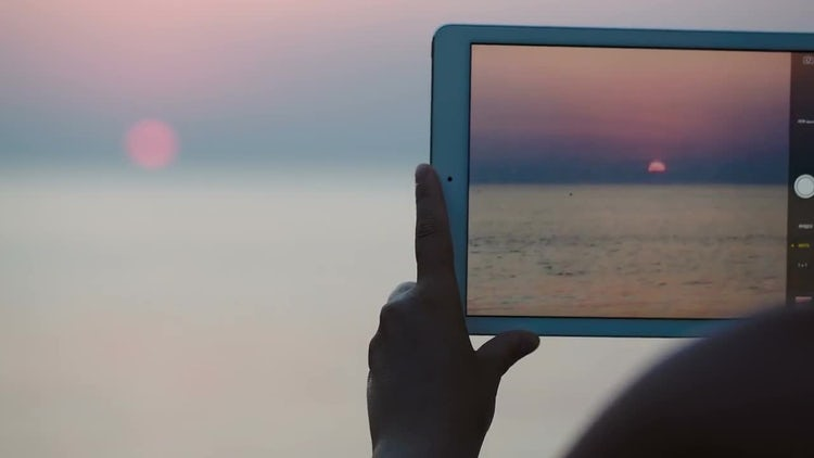 Capturing Sunset Over Sea: Stock Video