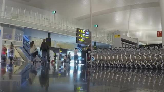 Time Lapse Of Busy Airport: Stock Video