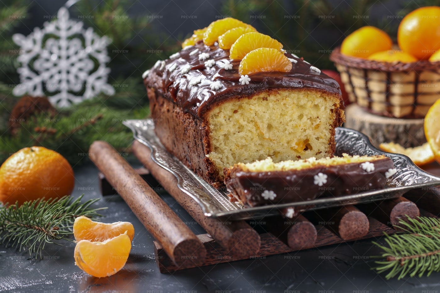 Cupcake With Tangerines: Stock Photos