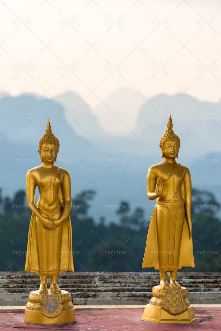 Gold Statues Of Buddha: Stock Photos