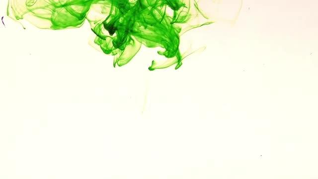 Green Ink Spread: Stock Video