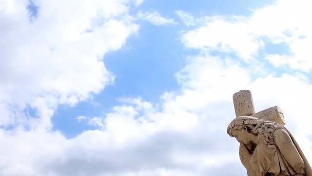 Statue And Clouds: Stock Video