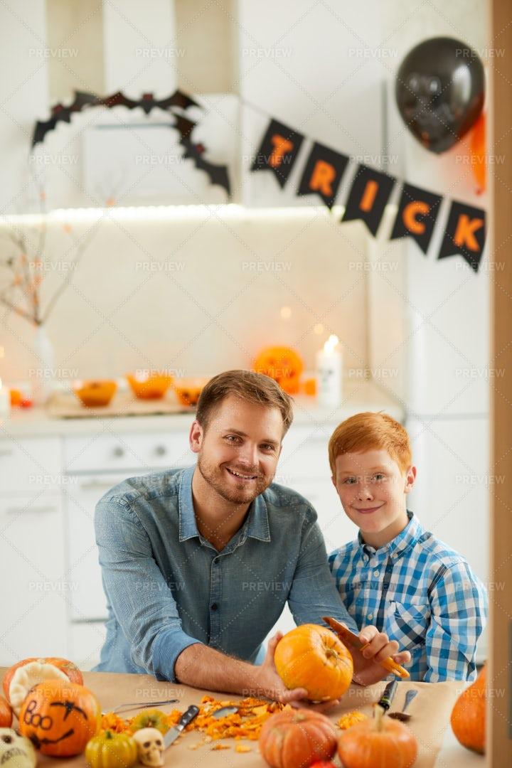 Family Preparing For Halloween: Stock Photos