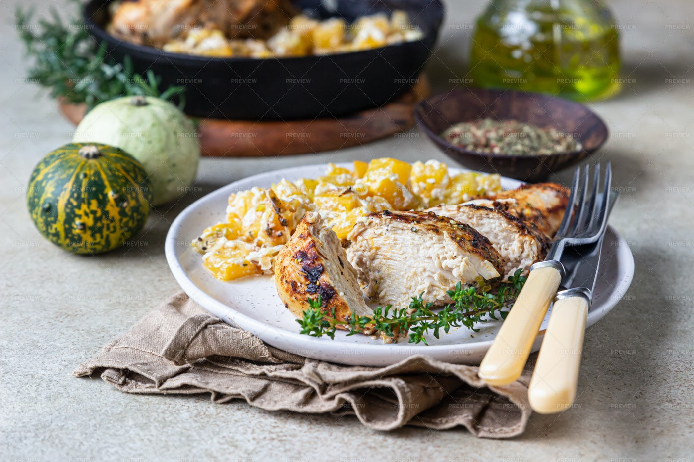 Baked Spicy Chicken Breast: Stock Photos