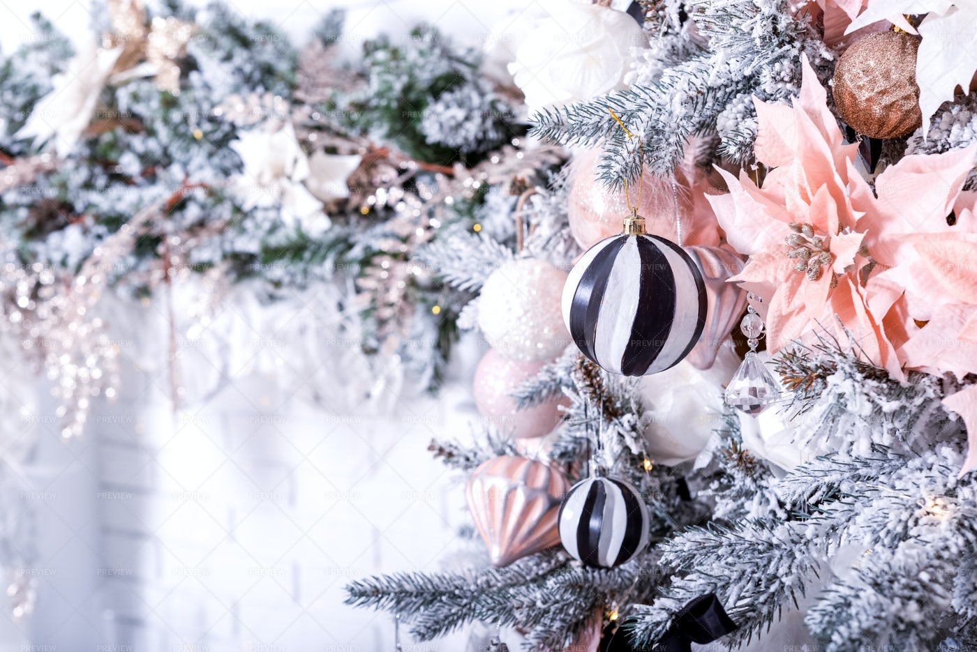 Bright Festive Christmas Wallpaper: Stock Photos
