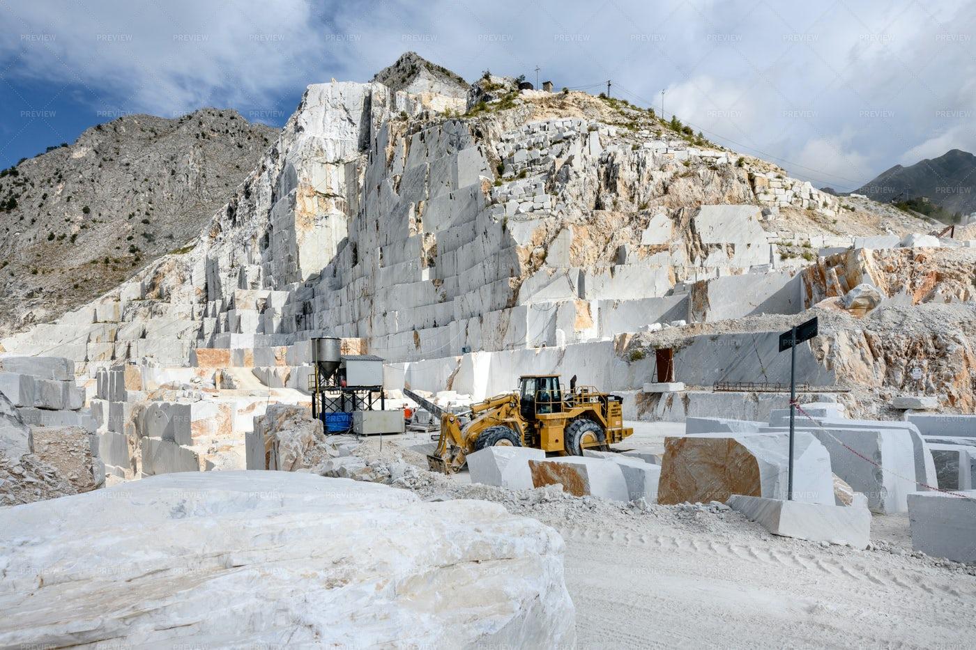 Carrara Marble Quarry: Stock Photos