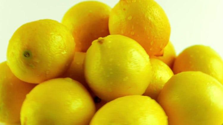 Fresh Lemons On Rotating Display: Stock Video