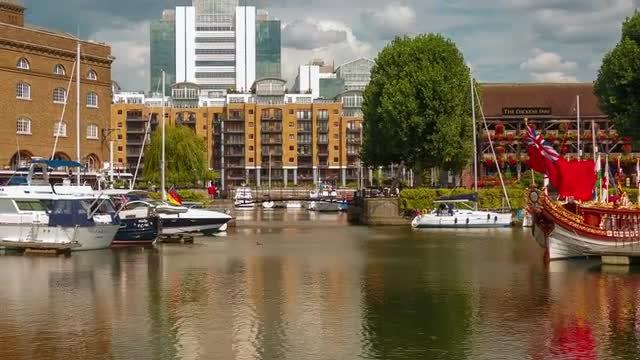 Time-Lapse of St Katharine Docks in London, UK: Stock Video