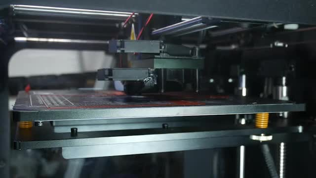 3D Printer Making A New Creation: Stock Video