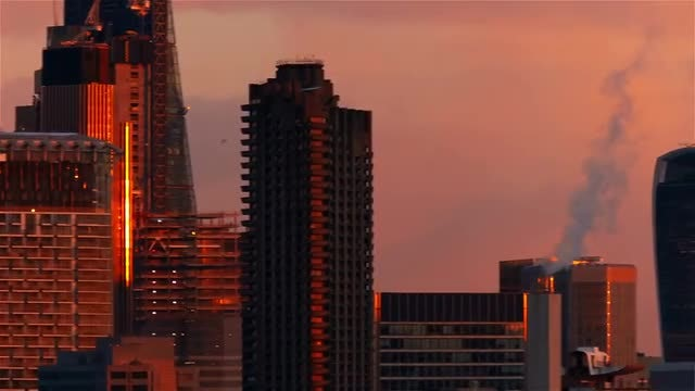 Panning Shot Of London Skyline: Stock Video