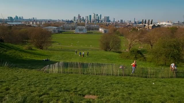London Picturesque Green View : Stock Video
