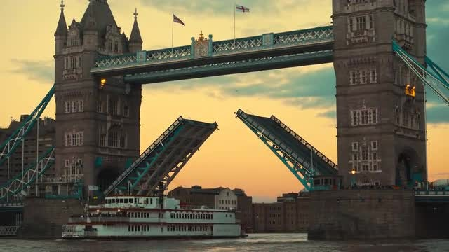 Tower Bridge Opening Lifts: Stock Video
