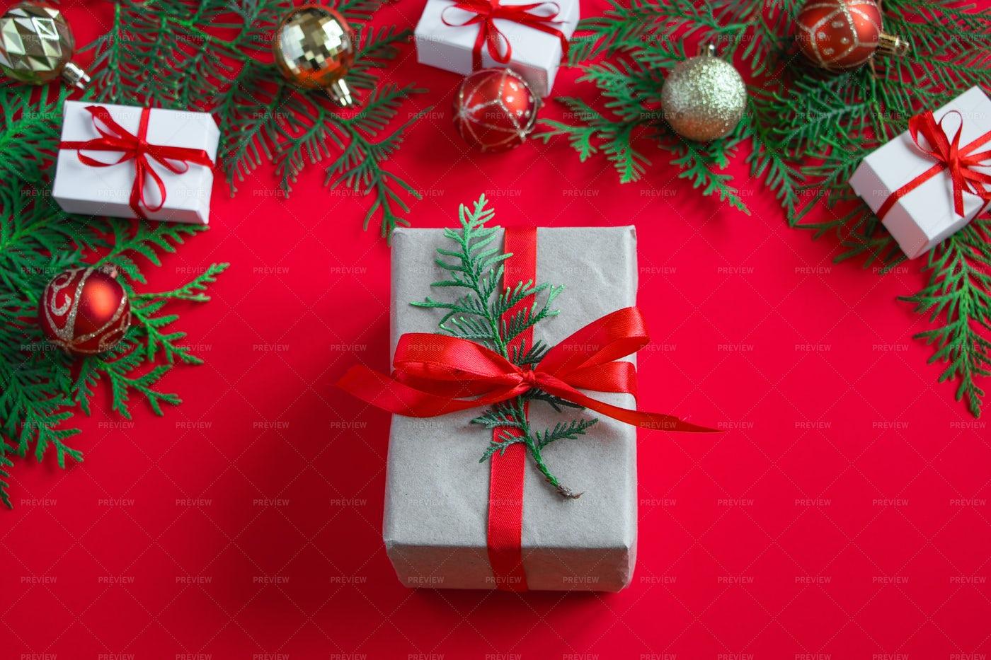 Christmas Gift Box: Stock Photos
