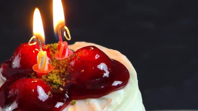 Cake With Burning Candles : Stock Video
