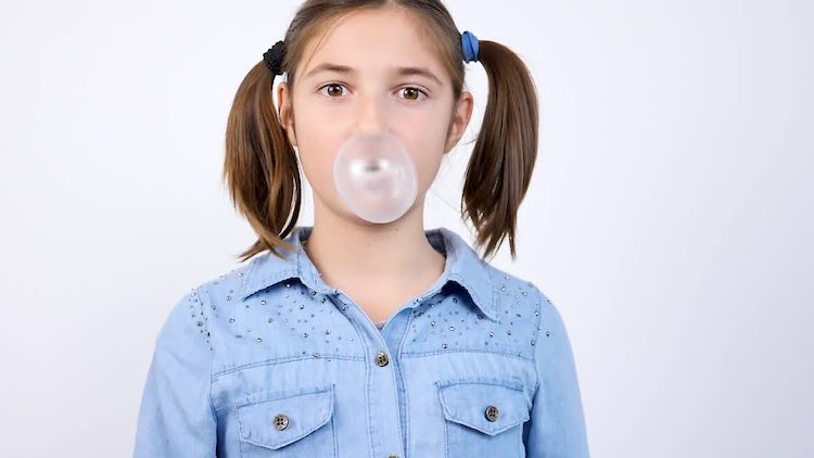 Girl Chewing Bubble Gum : Stock Video