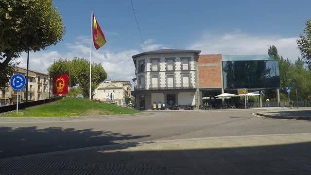 Spanish Flag At A Roundabout: Stock Video