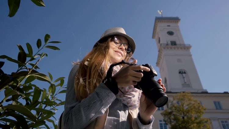 Tourist Girl Taking Outdoor Pictures: Stock Video