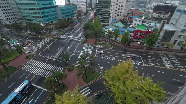 Time Lapse Of Busy Intersection : Stock Video