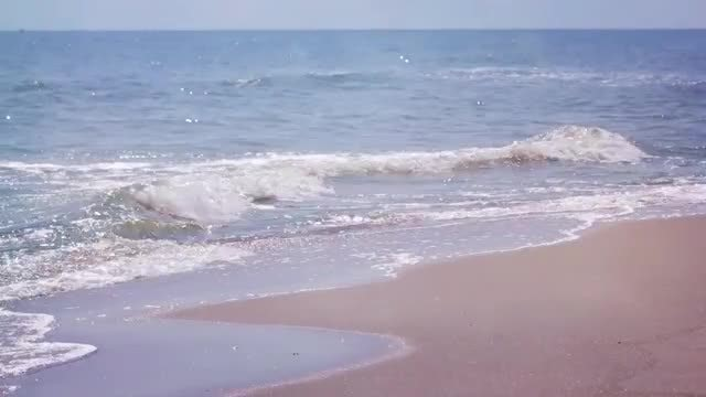 Empty Beach With Calming Waves: Stock Video