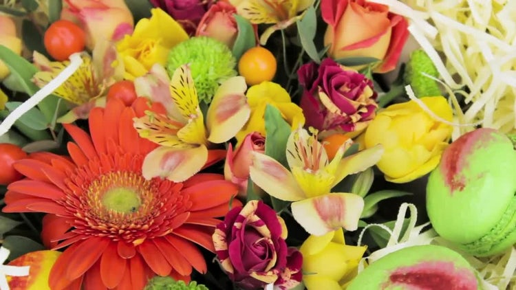 Bouquet Of Flowers And Macaroons: Stock Video