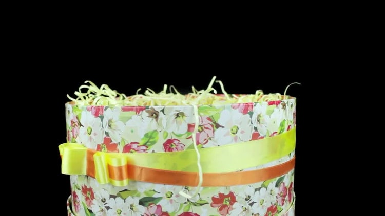 Gift Box With Ribbon Rotating: Stock Video