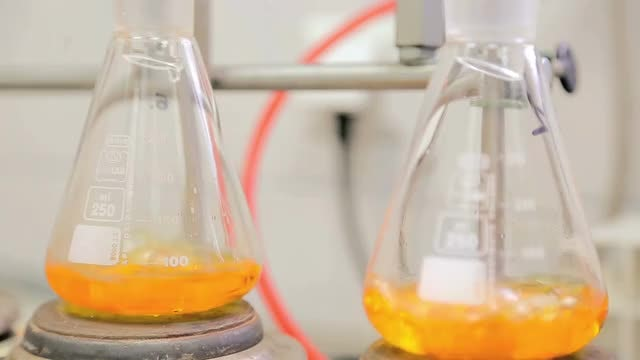 Laboratory Flasks With Boiling Liquid: Stock Video