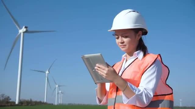 Female Engineer Using Digital Tablet : Stock Video