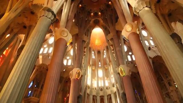 La Sagrada Familia Church Interiors : Stock Video