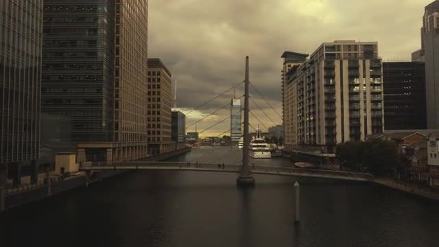 Canary Wharf In London: Stock Video