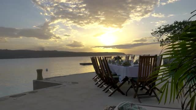 Luxurious Oceanfront Dining Table During : Stock Video
