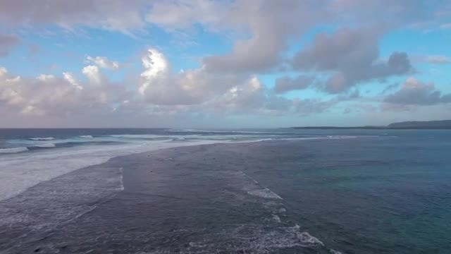 Seascape With Foamy Waves : Stock Video