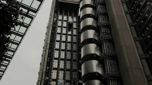 Time Lapse Of Lloyd's Building: Stock Video