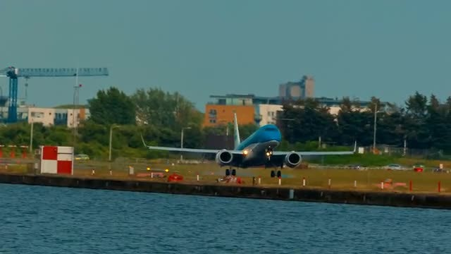 Blue Airliner Touch Down: Stock Video