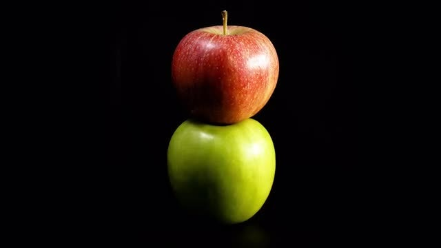 Green And Red Apples: Stock Video
