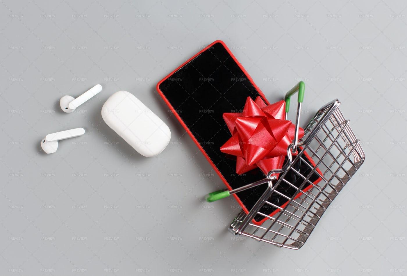 Gift Smartphone: Stock Photos