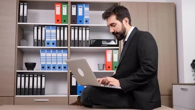 Businessman Working On Desktop: Stock Video