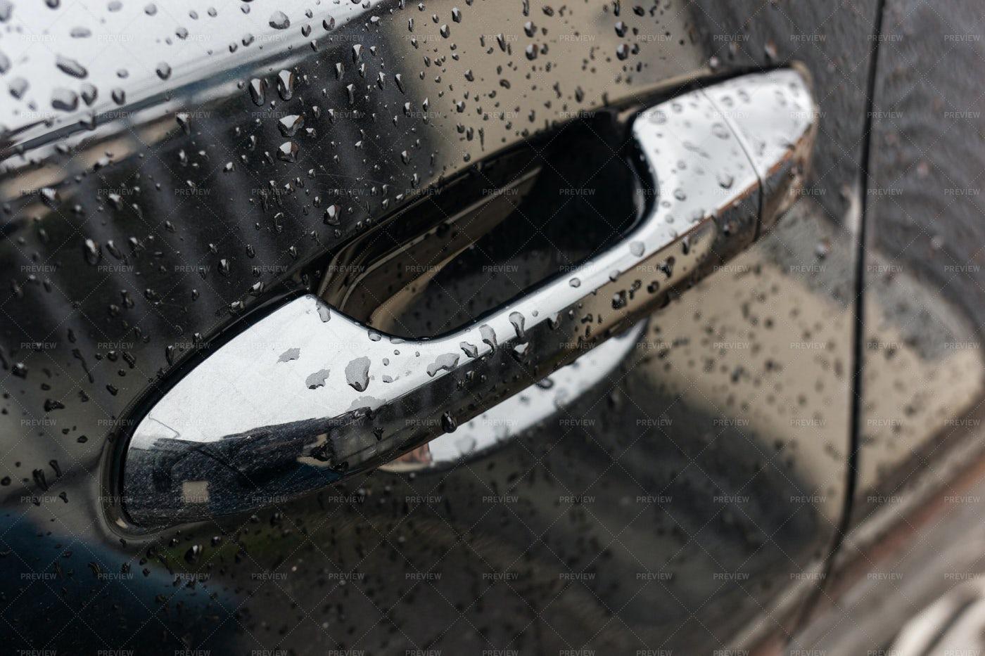 Door Handle With Raindrops: Stock Photos