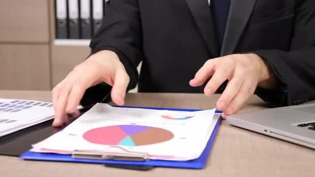 Businessman Working On Presentation : Stock Video