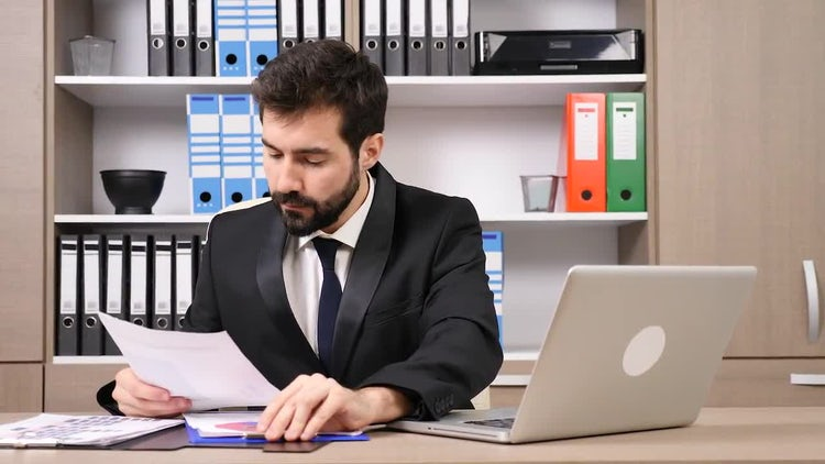 Businessman In The Office Working: Stock Video